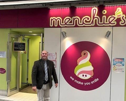 Brad at Menchies (4)