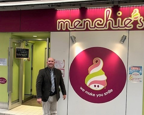 Brad at Menchies (4)