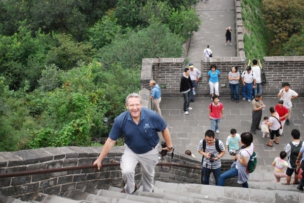 Paul_rovey_climbing_great_wall_of_china_from_tom_quaife_-688626-edited
